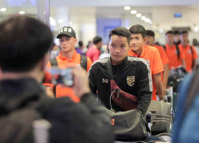 Tới Hà Nội, tiền đạo U-23 Thái Lan muốn đánh bại U-23 Việt Nam từ vòng loại - Ảnh 2.