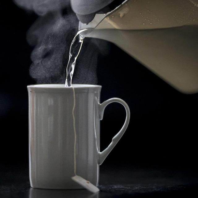 Uống trà quá nóng tăng gấp đôi nguy cơ ung thư thực quản - Ảnh 1.