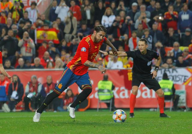 Tây Ban Nha thắng chật vật Na Uy - Ảnh 2.