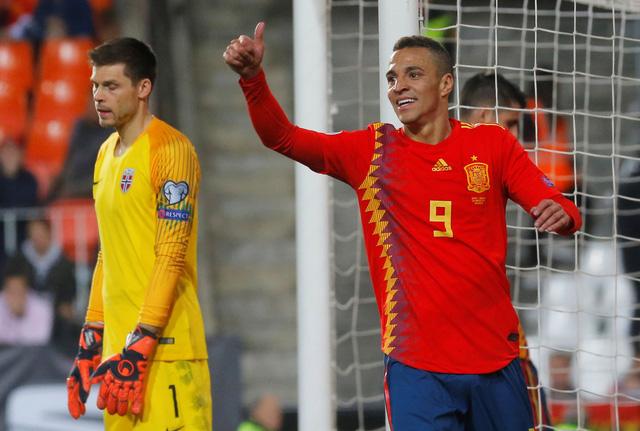 Tây Ban Nha thắng chật vật Na Uy - Ảnh 1.