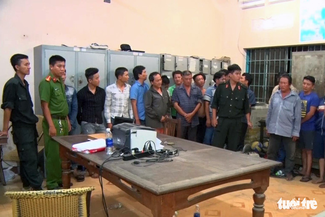 Đồng Nai triệt phá ổ đánh bạc lớn, bắt giữ 56 người - Ảnh 1.