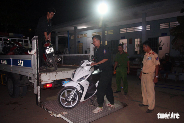 Đồng Nai triệt phá ổ đánh bạc lớn, bắt giữ 56 người - Ảnh 4.
