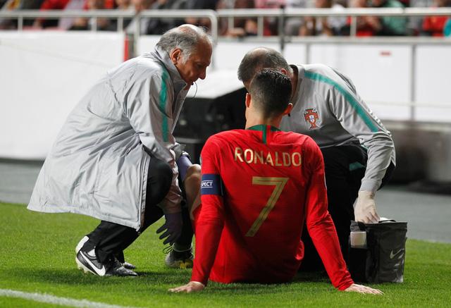 Ronaldo chấn thương, Bồ Đào Nha bị Serbia cầm chân - Ảnh 2.