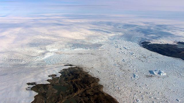 Sông băng ở Greenland dày lên sau nhiều năm tan chảy - Ảnh 1.