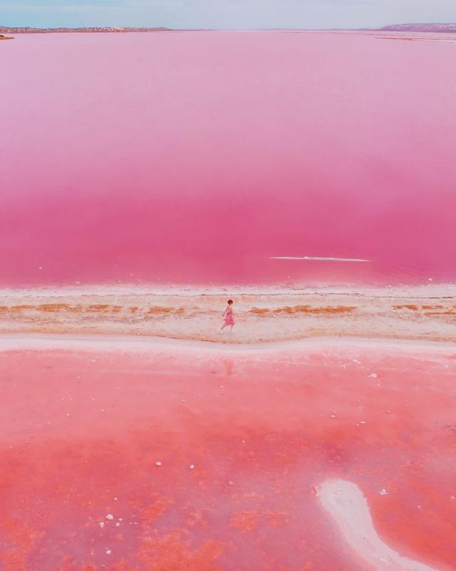 Kỳ Lạ Hồ Nước Màu Hồng đỏ Cam Theo Giờ Tuổi Trẻ Online