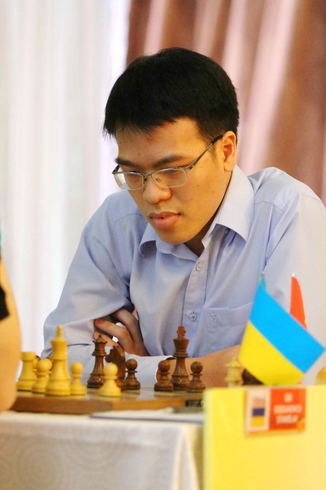 Lê Quang Liêm hòa kỳ thủ vô địch châu Âu - Ảnh 1.