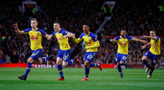 Lukaku  lập cú đúp, M.U ngược dòng đá bại Southampton - Ảnh 2.