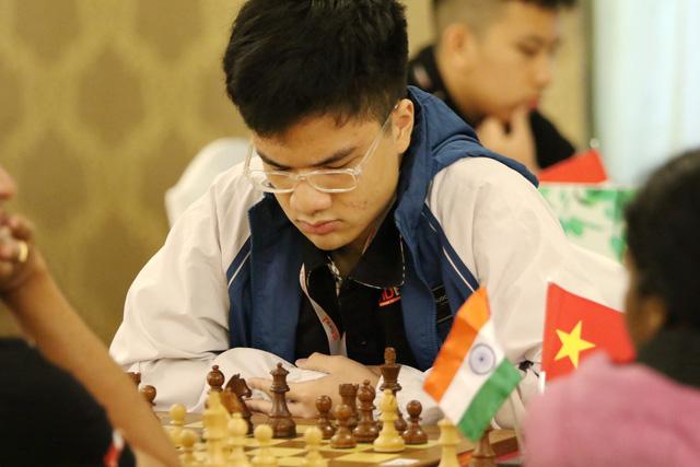 Nguyễn Anh Khôi thắng sốc Lê Quang Liêm - Ảnh 1.