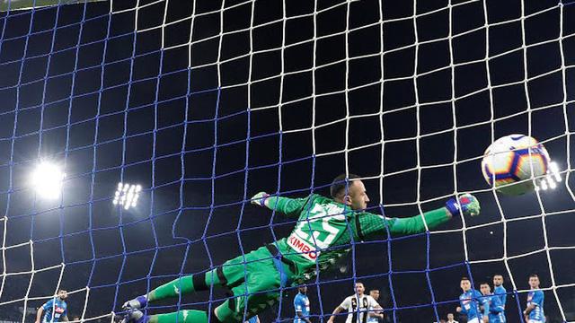 Juventus thắng chật vật Napoli - Ảnh 2.