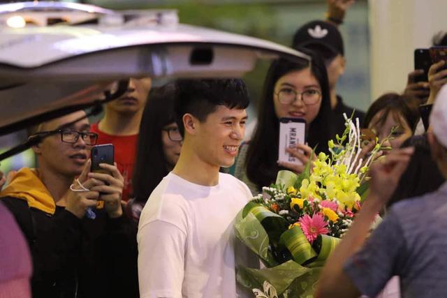 Trung vệ Đình Trọng về nước tập trung cùng U-23 Việt Nam - Ảnh 1.