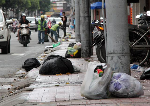 TP.HCM: để dân xả rác, phường, xã, khu phố chịu trách nhiệm - Ảnh 1.