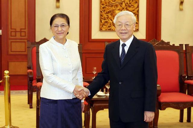 Lãnh đạo cấp cao Việt Nam tiếp Chủ tịch Quốc hội Lào - Ảnh 1.