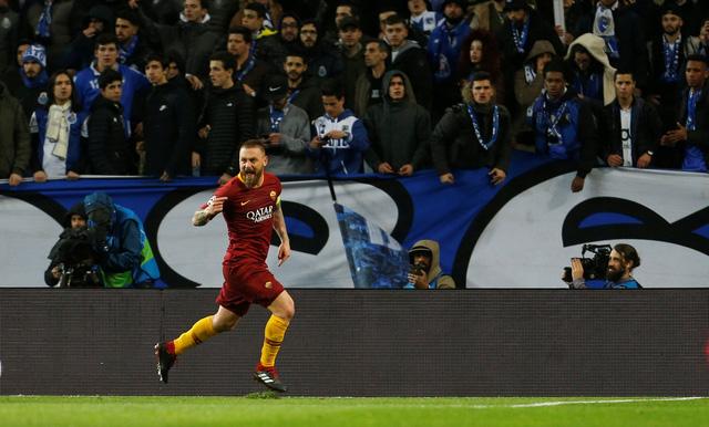 VAR 'nổ' trong hiệp phụ, Porto hạ AS Roma vào tứ kết Champions League - Ảnh 2.