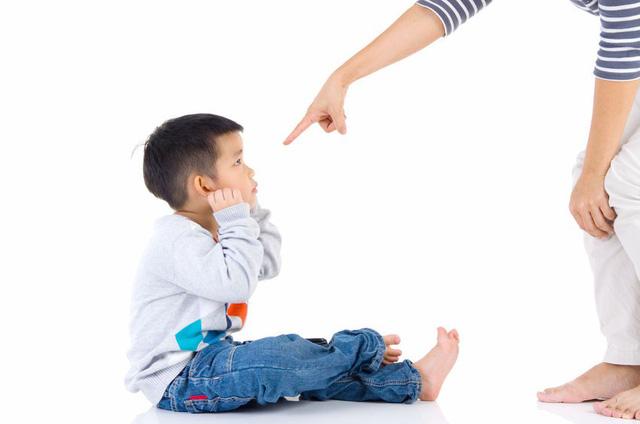 Nhật cấm trừng phạt thân thể trẻ em - Ảnh 1.