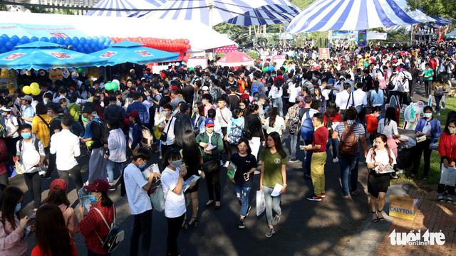 142 gian tư vấn của 86 trường tại Ngày hội tư vấn tuyển sinh Cần Thơ - Ảnh 1.