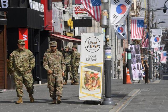 Hàn Quốc chấp nhận chi nhiều tiền hơn để giữ chân lính Mỹ - Ảnh 1.