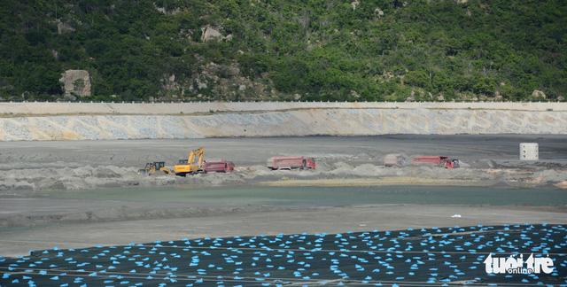 Nhiệt điện Vĩnh Tân 1 xả nước ra biển khi chưa được cấp phép - Ảnh 3.