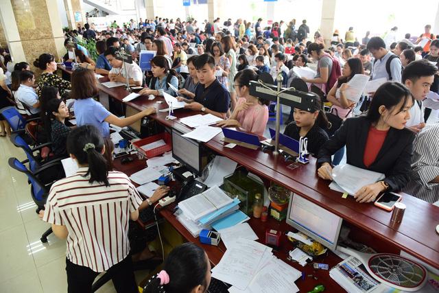 Cục Thuế TP 'bêu' tên gần 1.700 doanh nghiệp nợ thuế - Ảnh 1.