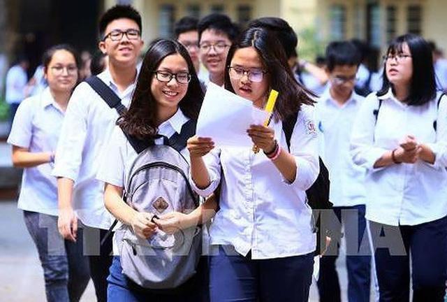 Năm học 2019-2020, TP.HCM tuyển hơn 67.000 chỉ tiêu lớp 10 công lập - Ảnh 1.