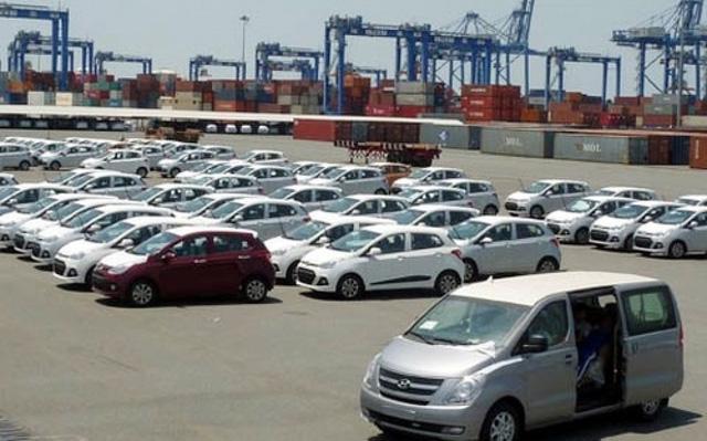 Ô tô dưới 16 chỗ ngồi chỉ được nhập qua 5 cửa khẩu cảng biển - Ảnh 1.