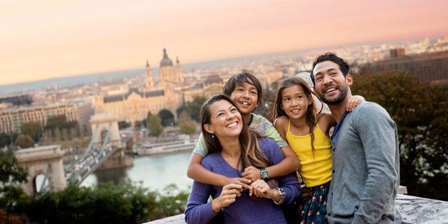 Tại sao Châu Âu đang là lựa chọn của nhiều gia đình? - Ảnh 1.