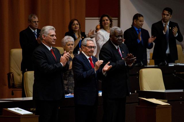 Chủ tịch Cuba kêu gọi củng cố phòng thủ, kinh tế đối phó với Mỹ - Ảnh 1.