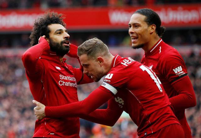 Salah lập siêu phẩm, Liverpool hạ Chelsea trở lại đỉnh bảng - Ảnh 2.