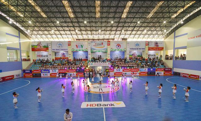 Không bất ngờ ở ngày khai mạc Giải futsal quốc gia 2019 - Ảnh 1.