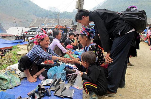 """Chợ phiên vùng cao sẽ là điểm nhấn trong tháng """"Sắc màu các dân tộc Việt Nam"""" - Ảnh 1."""