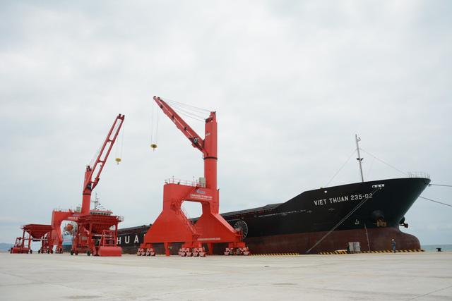 Vận hành Cảng quốc tế Vĩnh Tân - Ảnh 2.