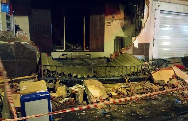 Cháy sau tiếng nổ lớn, sập mặt tiền nhà, một người chết - Ảnh 1.