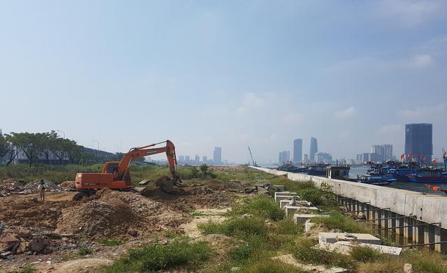 Bí thư Đà Nẵng yêu cầu rà soát các dự án bên sông Hàn - Ảnh 2.
