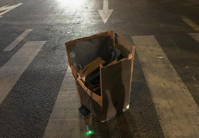 Xe kẹo kéo găm đứng vào đầu xe container, 1 người chết tại chỗ - Ảnh 2.