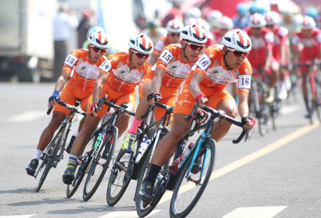 Lê Nguyệt Minh chiến thắng vòng đua tốc độ cao - Ảnh 2.