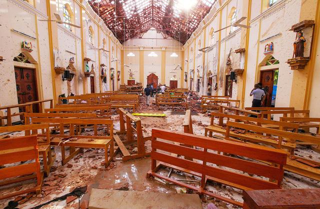 Kẻ đánh bom ở Sri Lanka xếp hàng nhận bữa sáng tự chọn trước khi kích nổ - Ảnh 1.