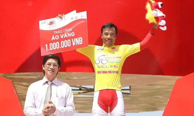 Đồng đội giúp Trường Tài đoạt áo vàng của Huỳnh Thanh Tùng - Ảnh 2.