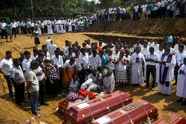 IS nhận trách nhiệm loạt đánh bom liều chết ở Sri Lanka - Ảnh 1.