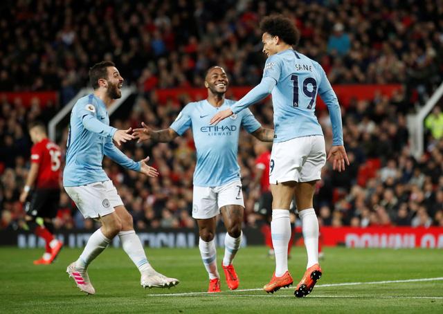 Đánh sập Old Trafford, M.C mở rộng cửa đến ngôi vô địch - Ảnh 3.