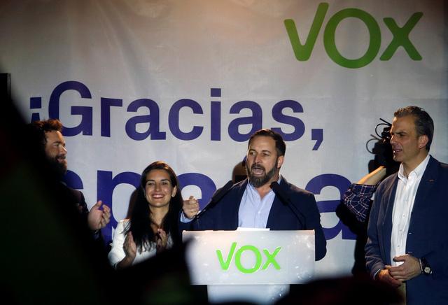 Bầu cử sớm ở Tây Ban Nha: lần đầu có chính phủ liên minh - Ảnh 2.
