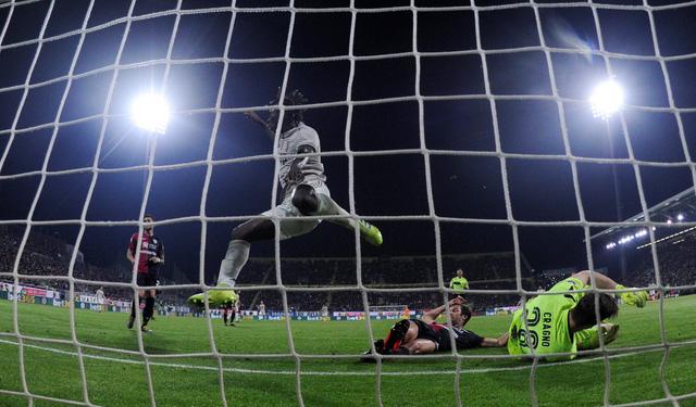 Thắng dễ Cagliari, Juventus tiến gần hơn đến ngôi vô địch - Ảnh 2.