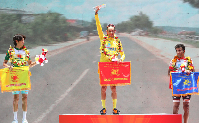 Javier đoạt áo vàng Cúp Truyền hình TP.HCM - Ảnh 1.