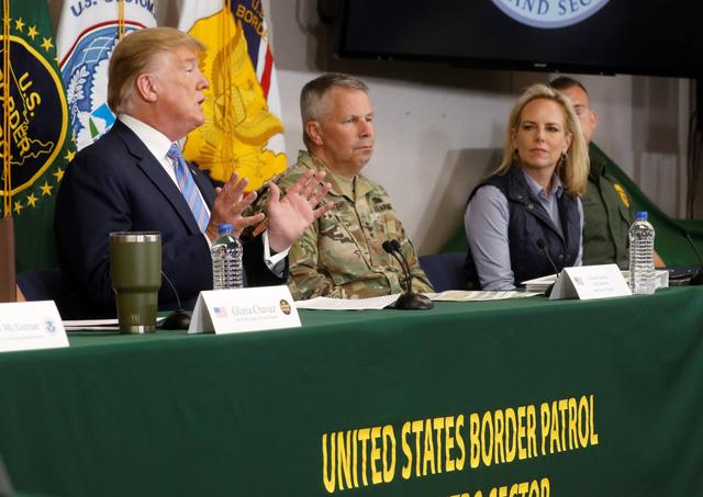 Bộ trưởng bộ An ninh nội địa Mỹ Kirstjen Nielsen từ chức - Ảnh 2.