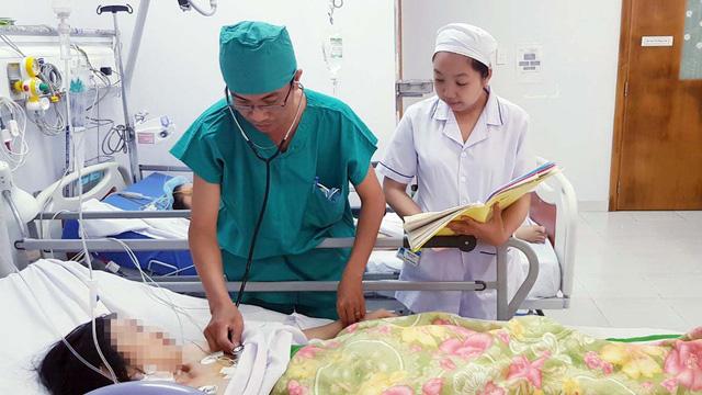 Cứu bệnh nhân bị đâm thủng tim, rách phổi - Ảnh 1.