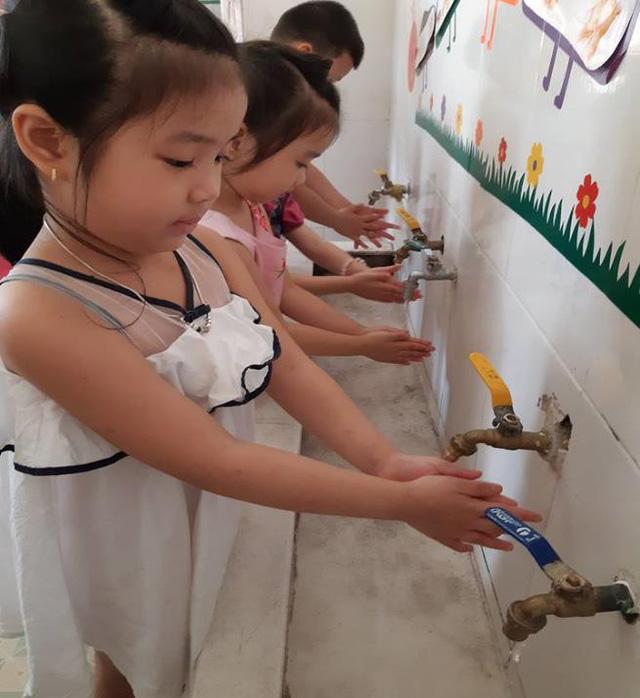 Lotte Mart ký thỏa thuận hỗ trợ 1,4 tỉ đồng cải thiện nguồn nước - Ảnh 3.