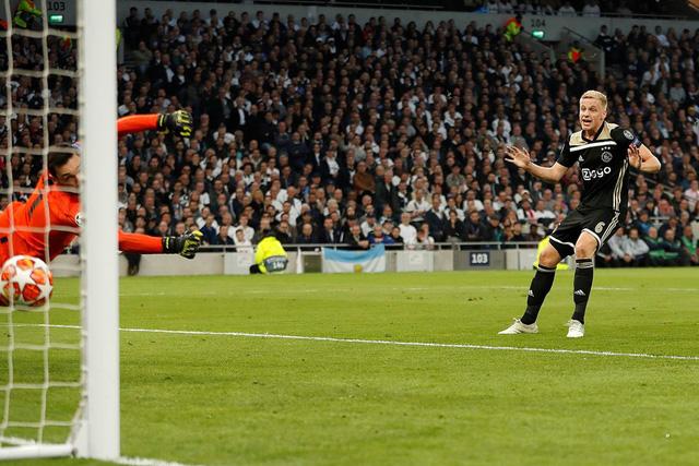 Đá bại Tottenham, Ajax rộng cửa vào chung kết Champions League - Ảnh 1.