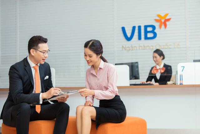 Ngân hàng ngày càng nâng cao tiện ích, khách hàng hưởng lợi - Ảnh 1.
