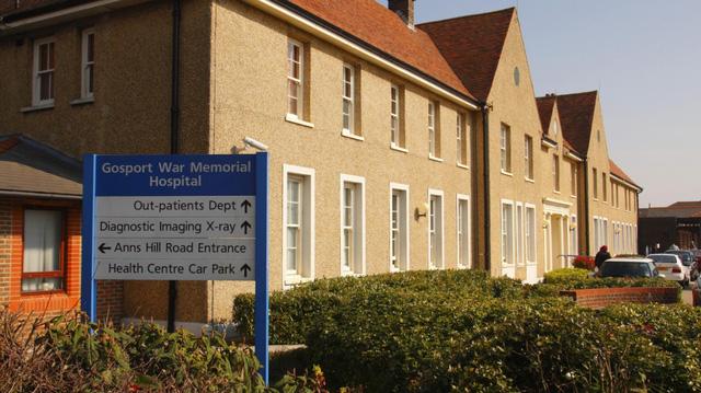 Anh điều tra vụ hàng trăm bệnh nhân chết sớm trong bệnh viện - Ảnh 1.