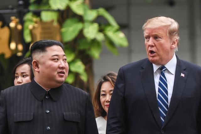 Triều Tiên phóng đầu đạn, ông Trump vẫn tin ông Kim giữ lời hứa - Ảnh 1.