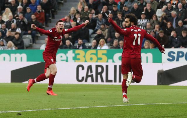 Thắng nghẹt thở Newcastle, Liverpool lại vượt lên trước M.C - Ảnh 2.