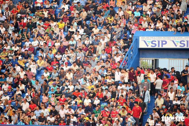 Sân Bình Dương đông kỷ lục trong ngày tiếp CLB Hà Nội - Ảnh 5.
